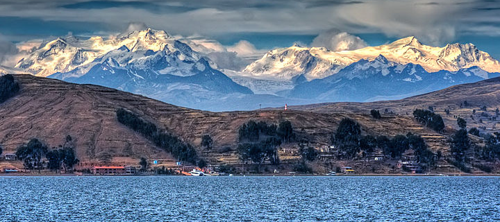 By Pedro Szekely from Los Angeles, USA (Lake Titicaca  Uploaded by russavia) [CC-BY-2.0 (http://creativecommons.org/licenses/by/2.0)],